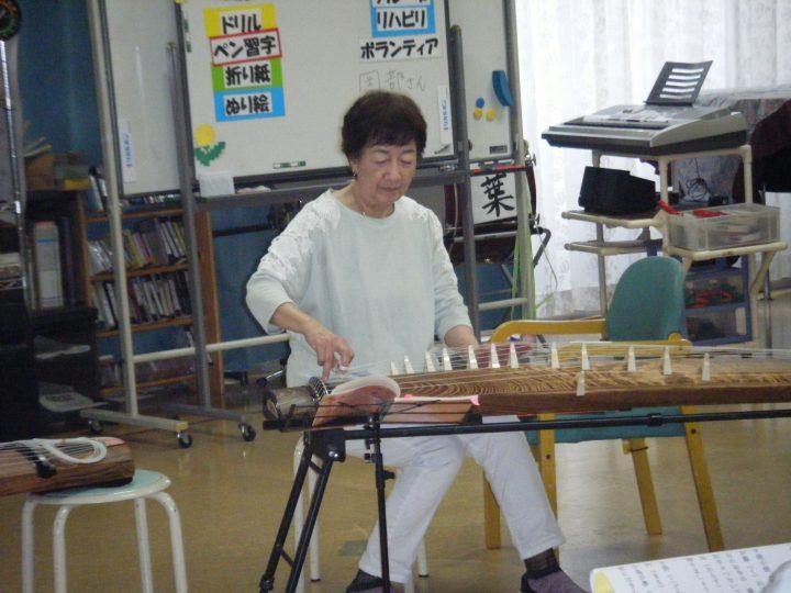 岡部さんのお琴演奏会