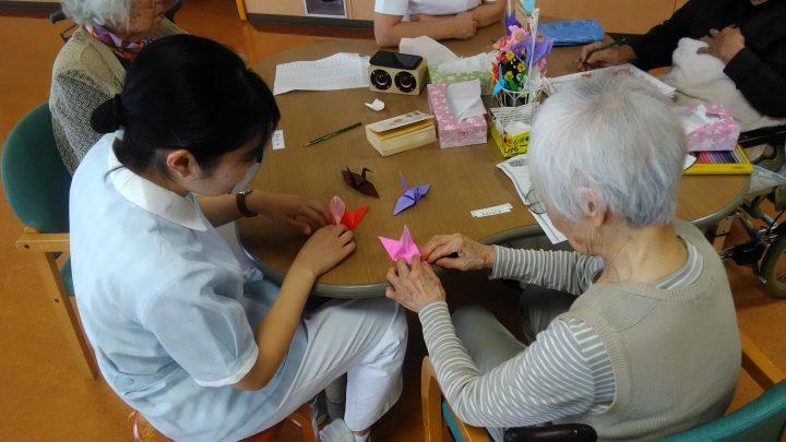 千葉市青葉看護専門学校の学生さんが実習に来ています
