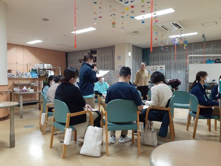 感染症対策に関する施設内研修が行われました。