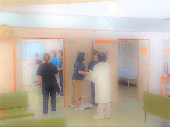 職員の健康診断の様子 💉